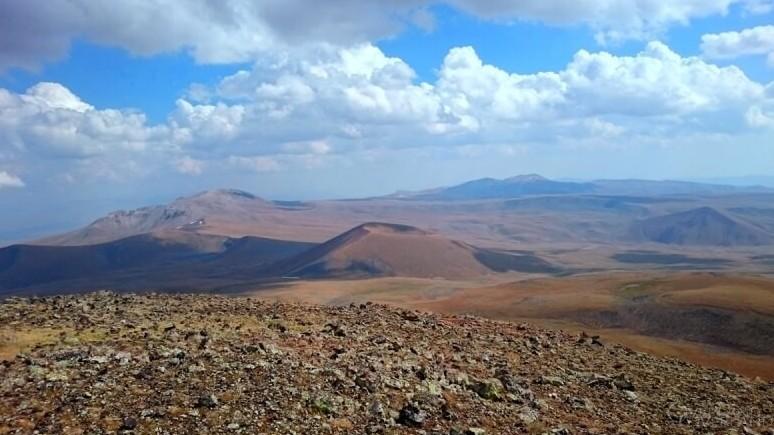 Гора Назели