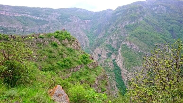 Поход в Сюник Армения без рюкзаков