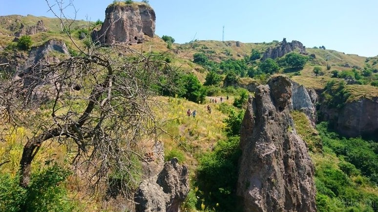 Hiking in Syunik Armenia Khndzoresk